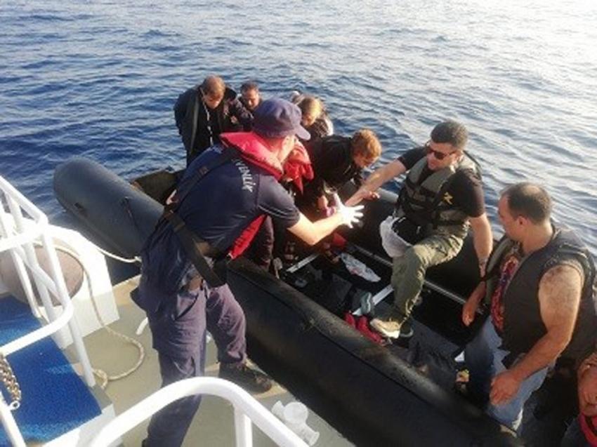 Ayvalık'ta 50 göçmen jandarmanın dikkati sayesinde yakalandı