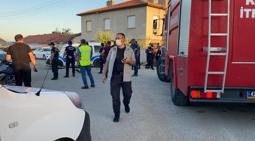 Konya'da bir eve düzenlenen silahlı saldırıda 7 kişi öldürüldü, evleri ateşe verildi