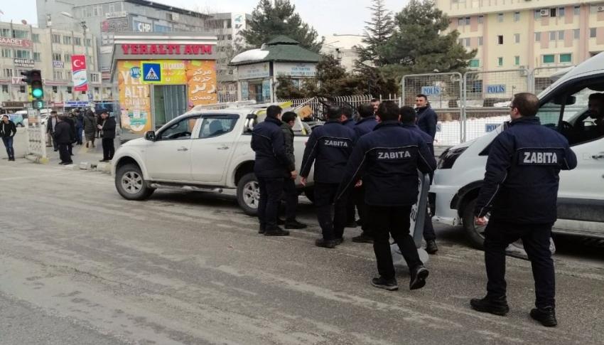 Van büyükşehir zabıtası 'maske' fırsatçılarına göz açtırmıyor