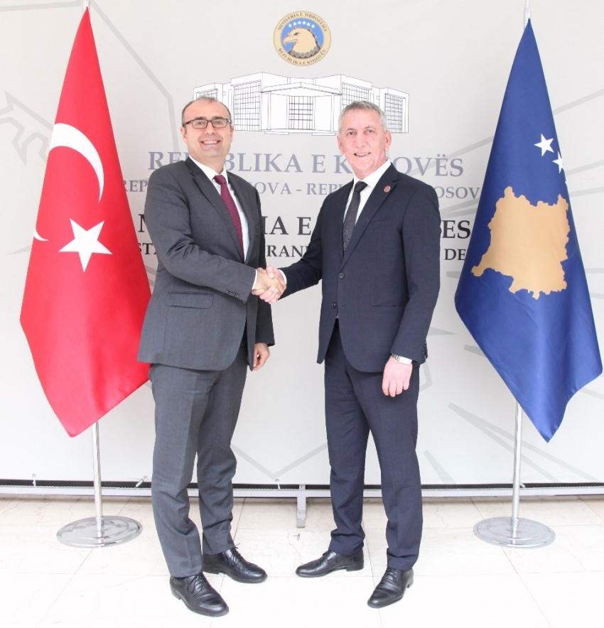 Sakar'dan Kosova Savunma Bakanı Quni'ye ziyaret