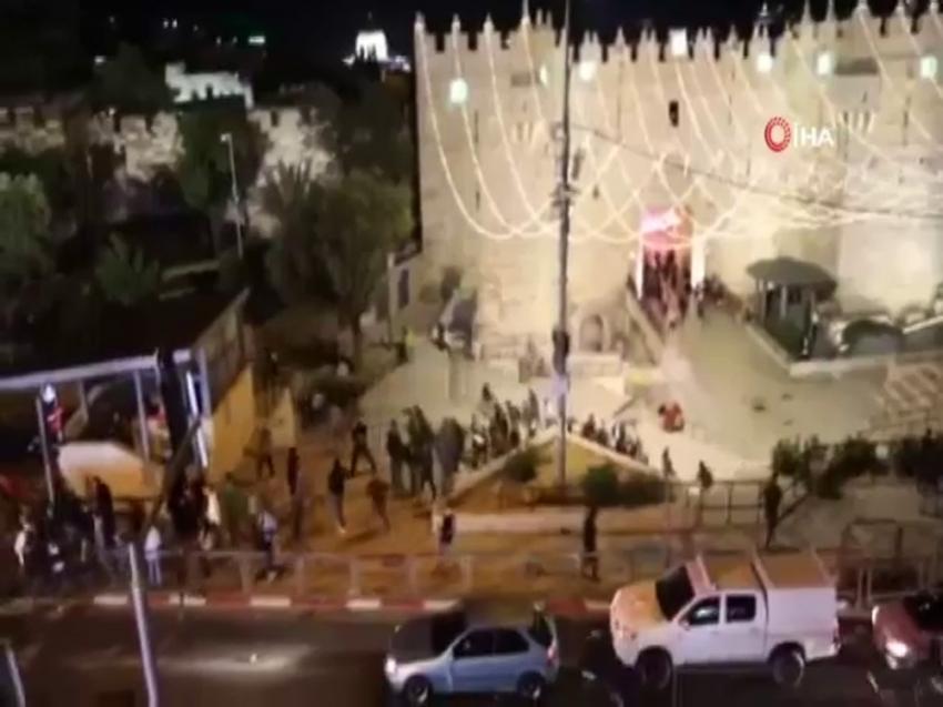 İsrail, teravih namazı kılanlara saldırdı: 6 yaralı
