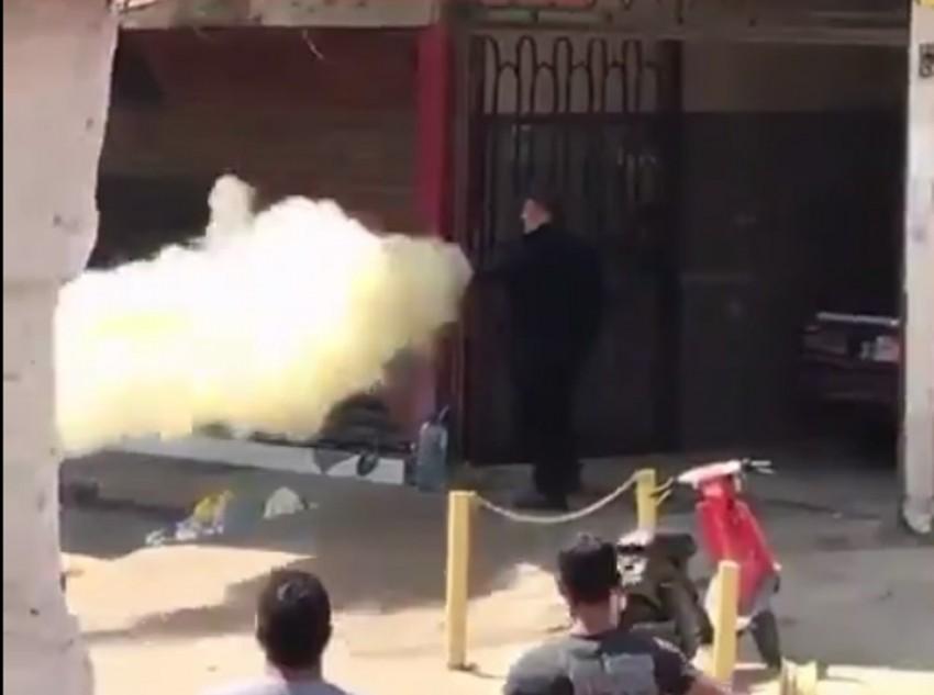 Bıçaklı saldırgana yangın tüpüyle müdahale