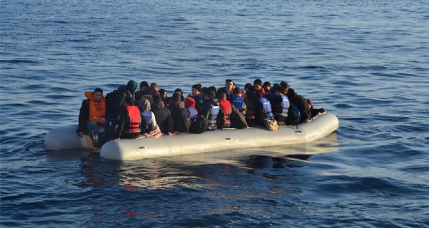 Ege'de 275 kaçak göçmen...