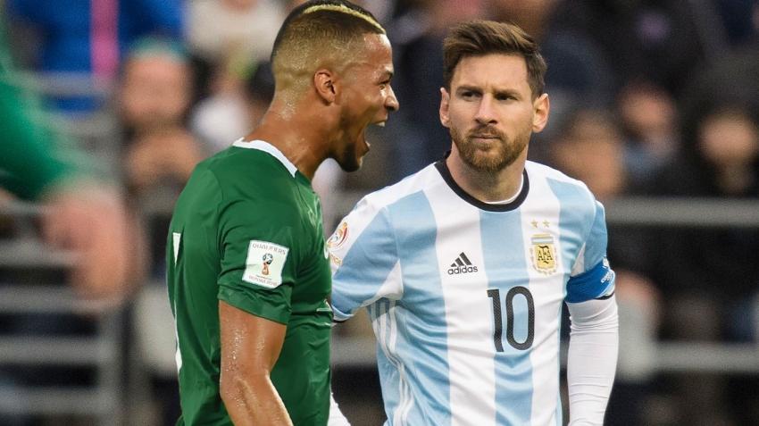 Ekong, Messi'ye karşı