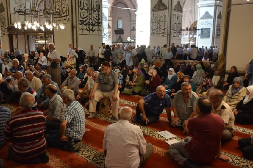 Hacı adaylarına Ulucami'de seminer