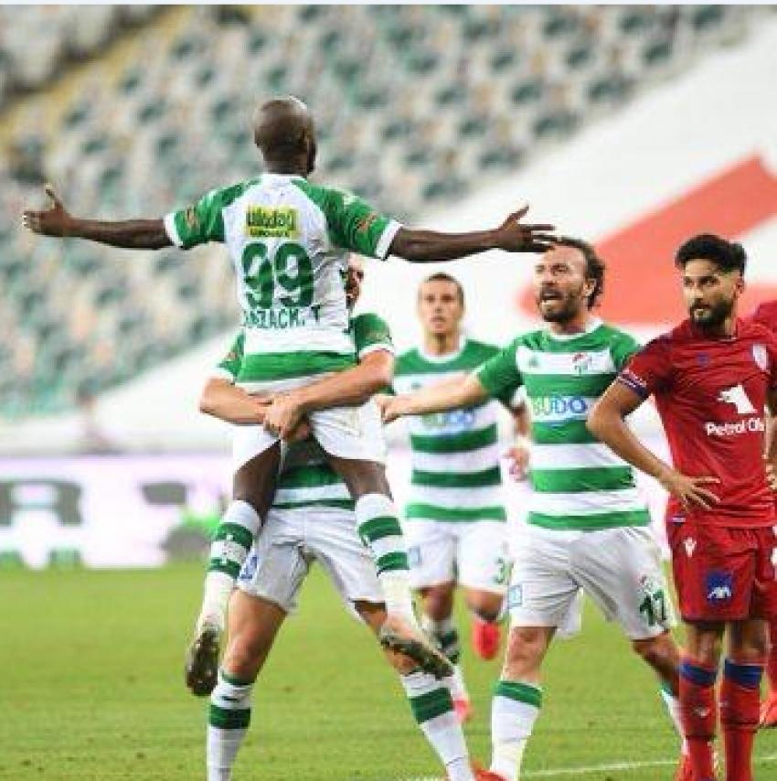 Bursaspor Altınordu'yu 1-0'la geçti.
