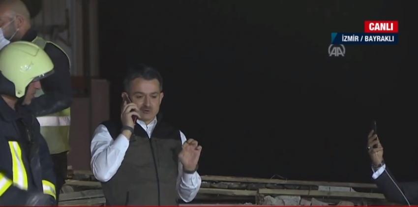 İzmir'de enkazdaki kişiye telefonla ulaşıldı!