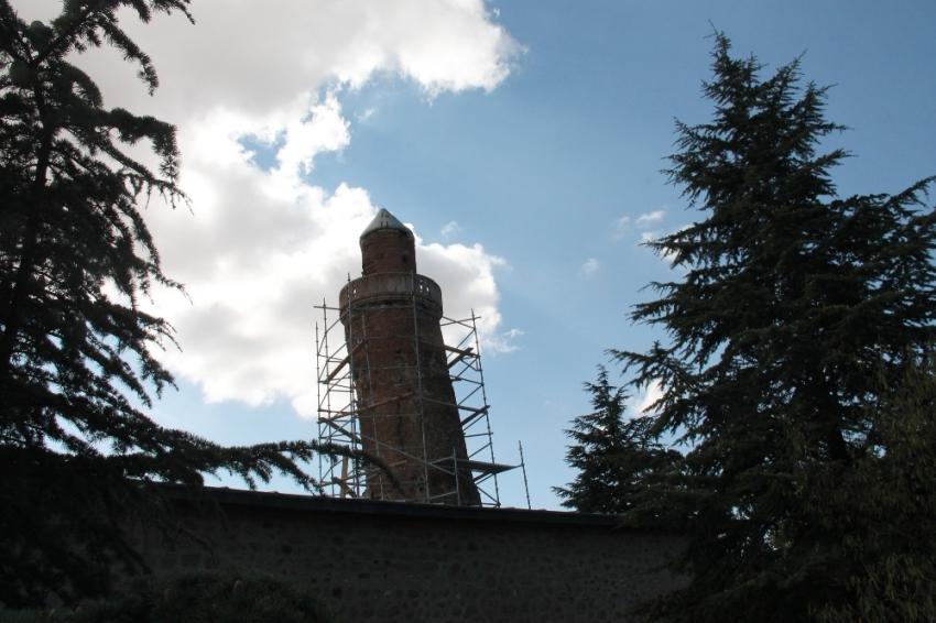 Pisa Kulesi'nden daha eğik: Korunma altına alınıyor