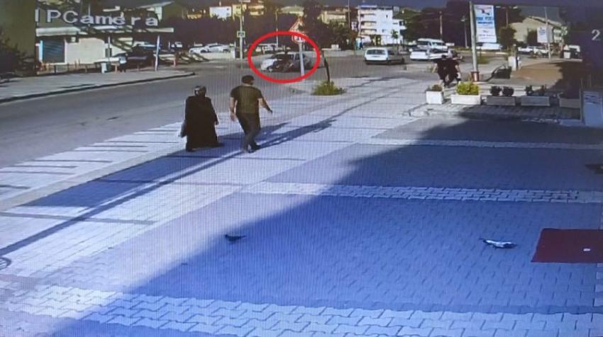 Bursa'da elektrikli bisiklet ile otomobil çarpıştı