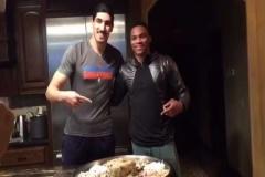 Enes Kanter NBA yıldızı Russell Westbrook'a yemek yaptırırsa