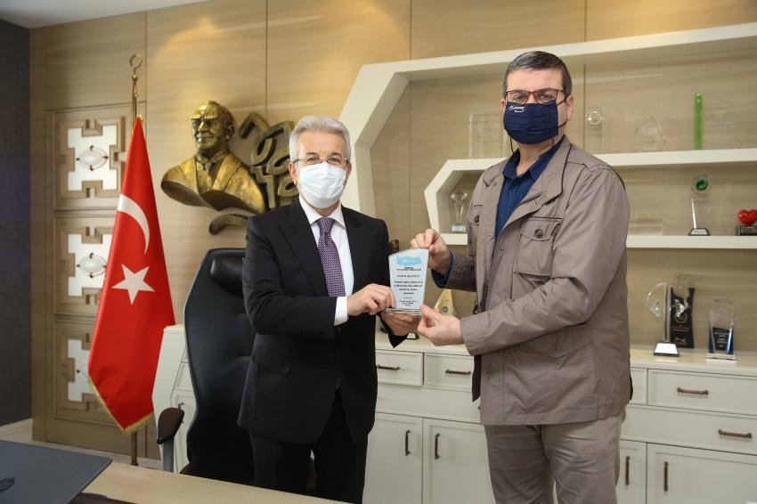 Ardanuç'tan Başkan Erdem'e tablet teşekkürü