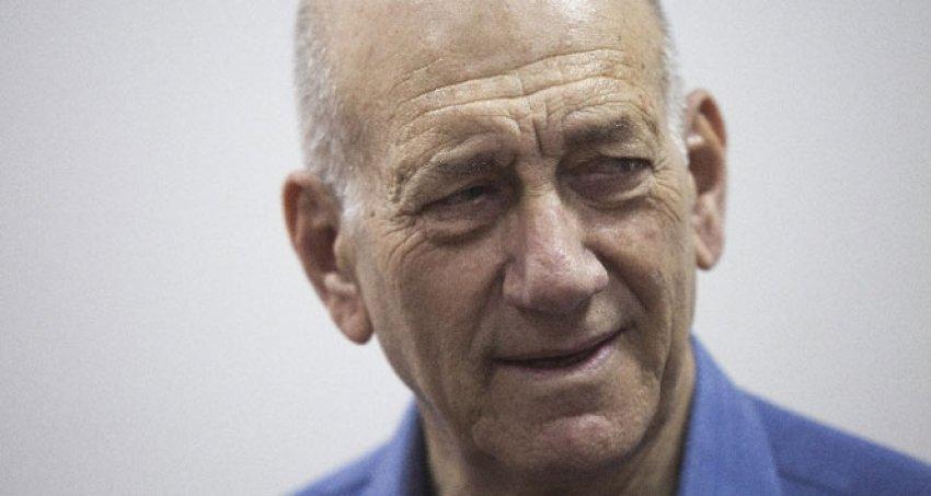 Eski İsrail Başbakanı'na hapis cezası