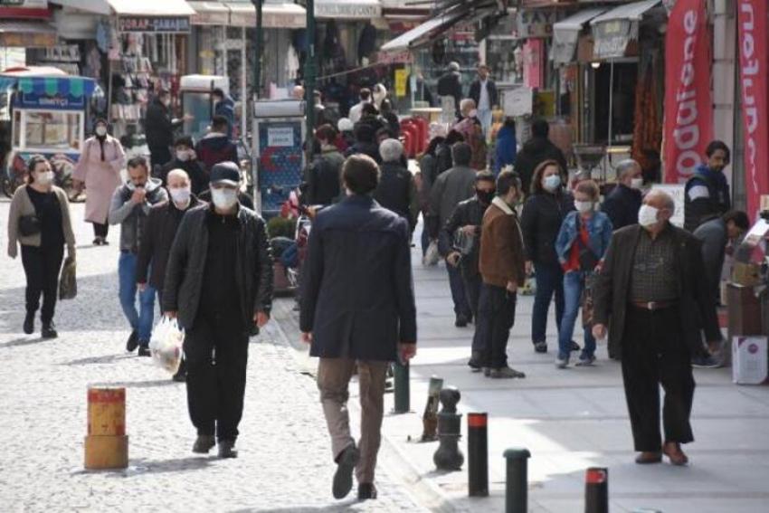 İlde 118 Korona virüs vakası olmasına rağmen sokaklar dolup taştı