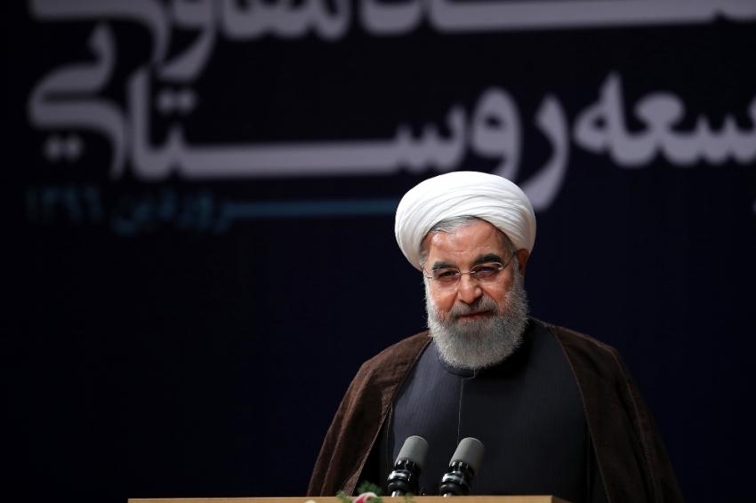 İran'da Ruhani 'resmen' kazandı