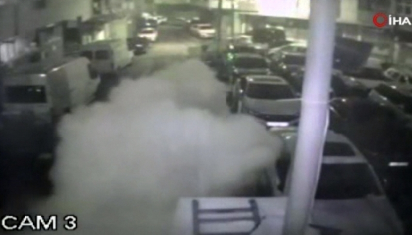 Bombalı saldırı kamerada: Terörist yakalandı