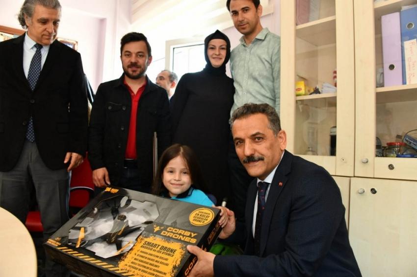 Validen Türkiye gündemine oturan Zeynep'e sürpriz