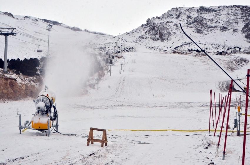 Erzincan'da kayak sezonu açılamadı