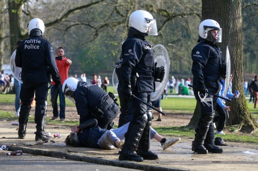 """""""1 Nisan şakası"""" polis müdahalesi ile son buldu"""