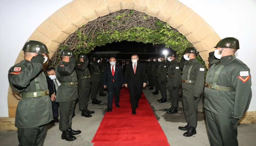 Erdoğan, Tatar'la bir araya geldi