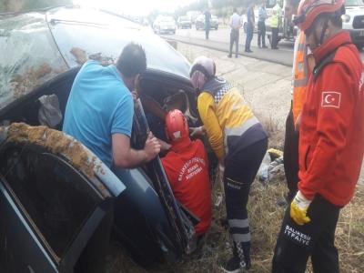 Balıkesir'de otomobil takla attı: 5 yaralı