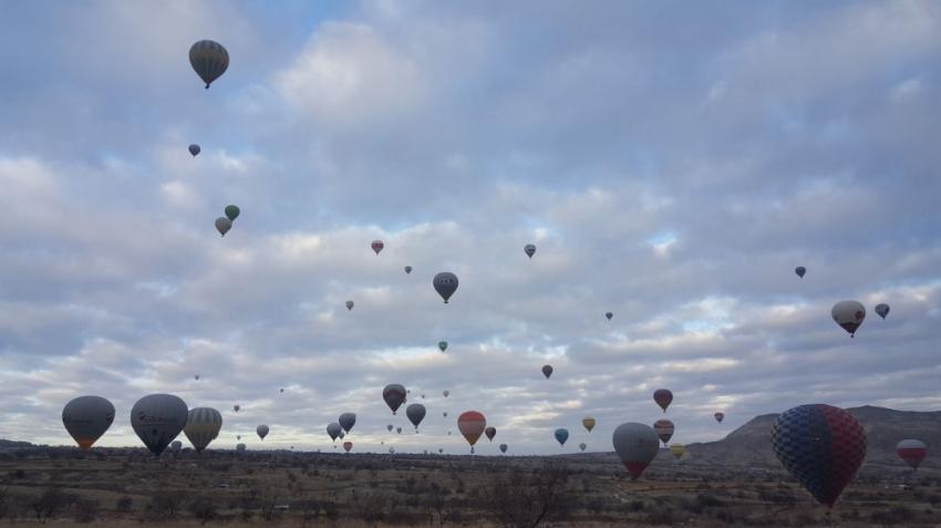 Kapadokya'da balonlar nihayet havalandı