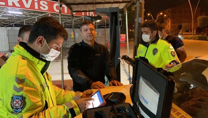 Bursa'da polis ekipleri alkollü sürücüye dakikalarca dil döktü
