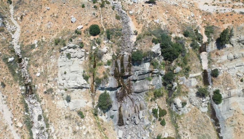 Uçarsu Şelalesi kurudu