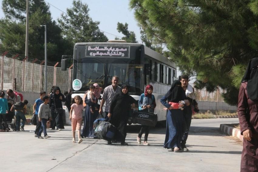 15 bin Suriyeli Türkiye'ye döndü