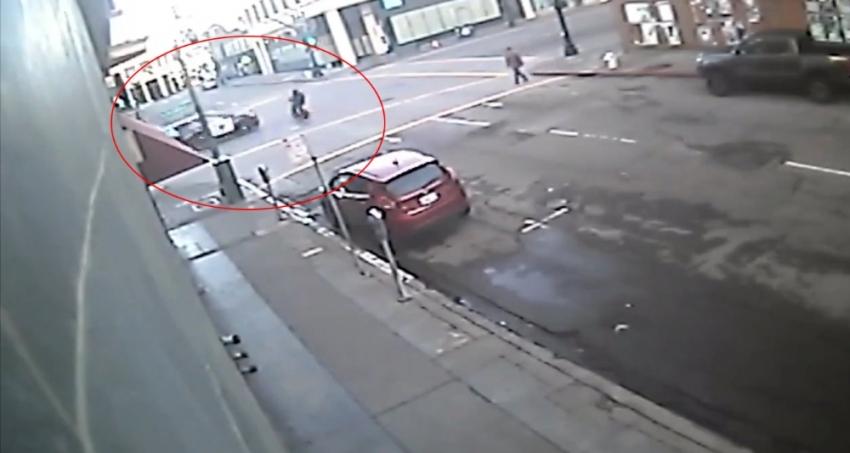 Polis aracı motosiklete çarptı: 64 milyon TL tazminat