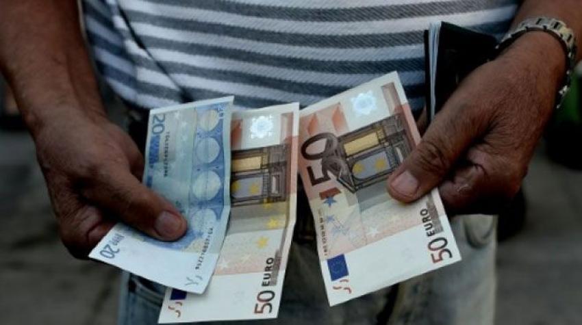 Yunanlar parasız kaldı, soygunlar başladı!
