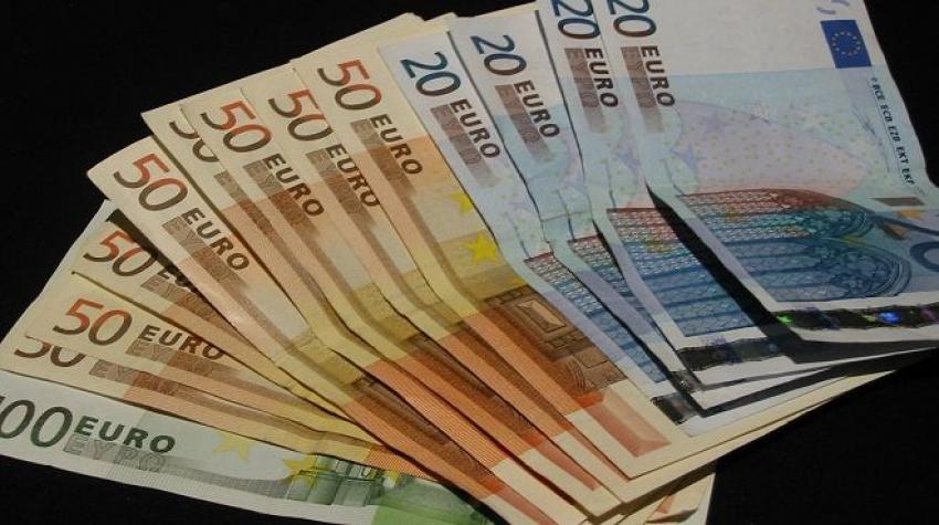 Euro sert düştü