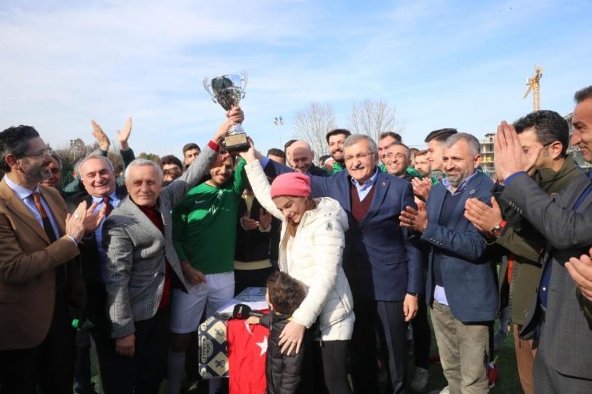 Pelin Karahan kupayı eşiyle birlikte kaldırdı