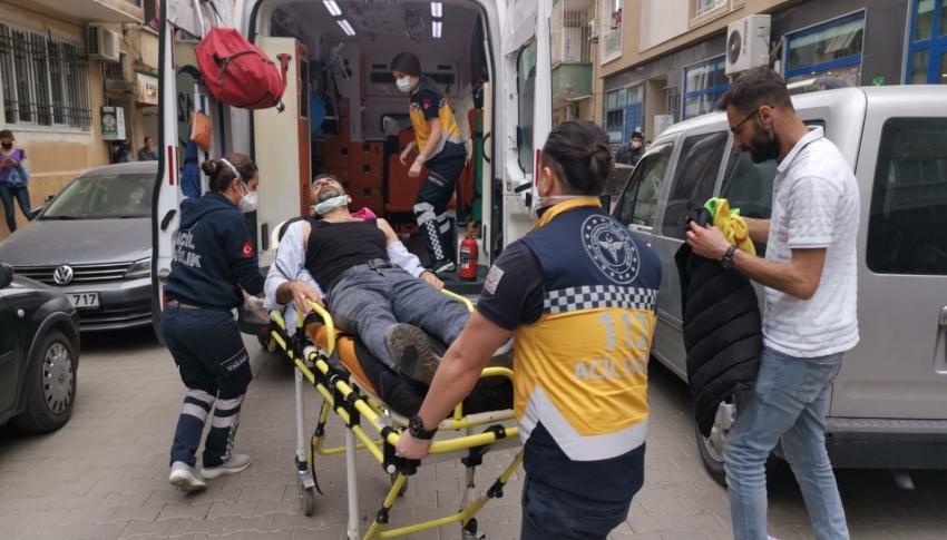 Marketteki kavga sokağa taştı: 1 kişi sırtından bıçaklandı