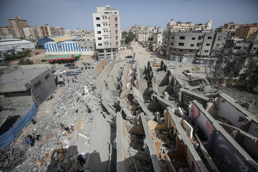 İsrail Gazze'de 800'den fazla binaya zarar verdi