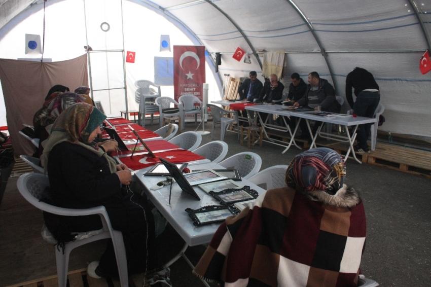 HDP önündeki ailelerin evlat nöbeti 97'nci gününde