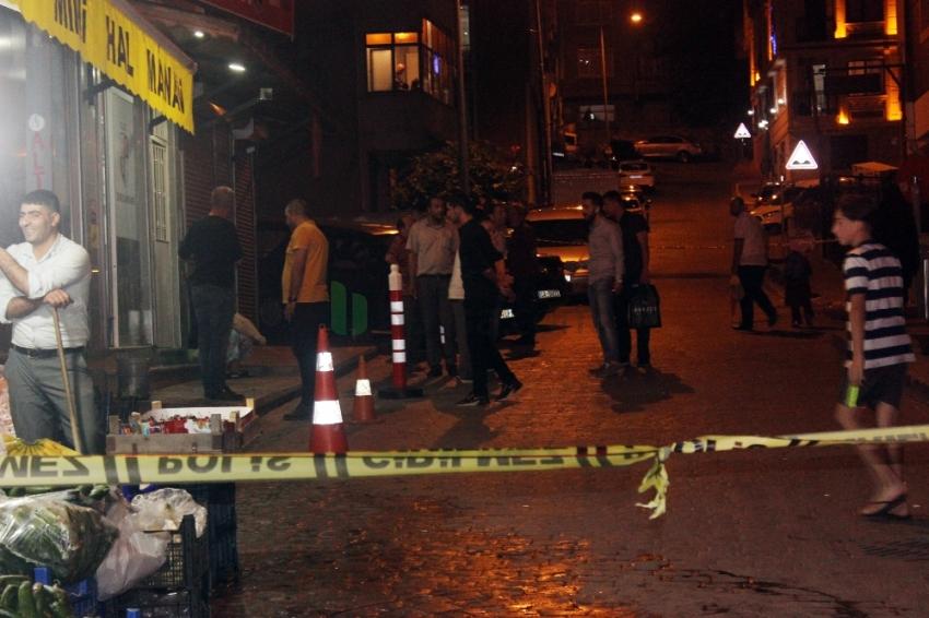 Beyoğlu'nda motosikletli magandalar silahla dehşet saçtı: 1 yaralı