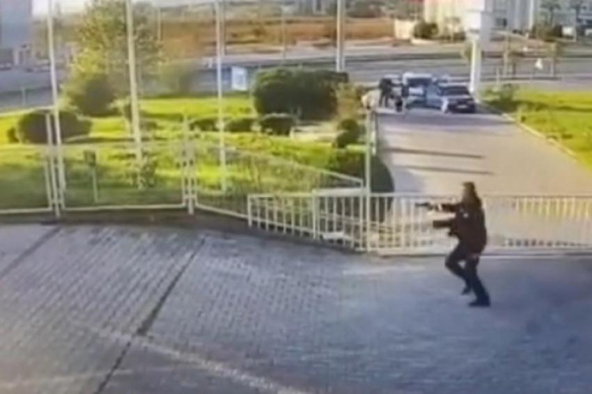 Bursa'da hareketli anlar: Polislere silah çekti