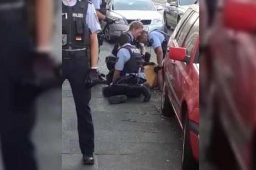Alman polisi Türk aileyi darp etti