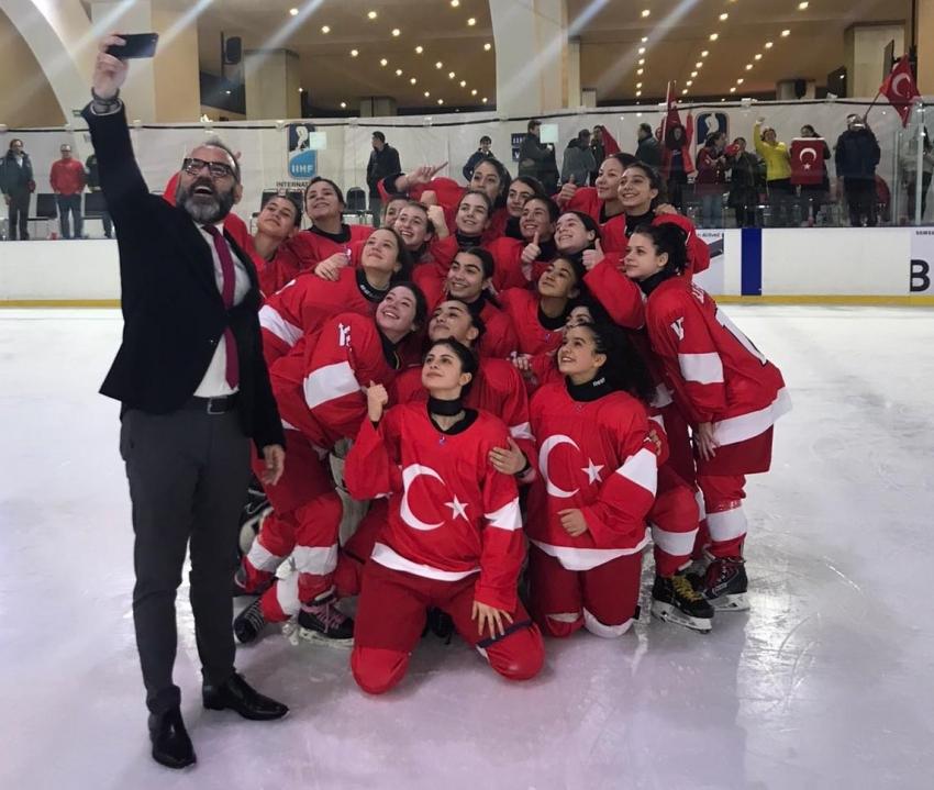 Buz Hokeyi Kadın Milli Takımı, Meksika'yı yendi