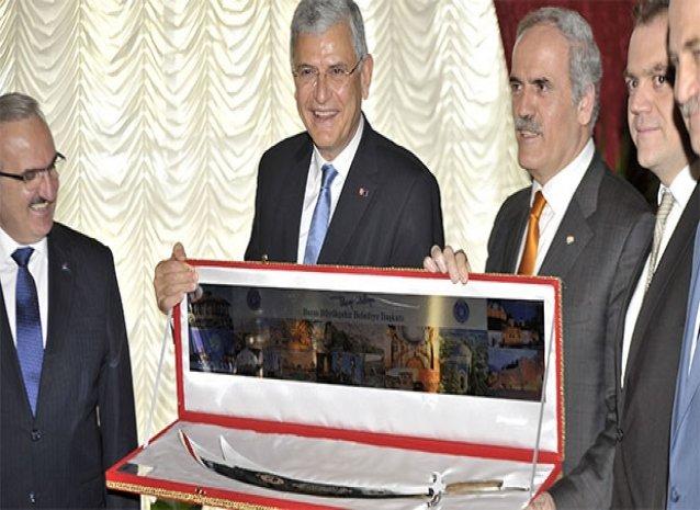 AB Bakanı Bozkır'dan Bursa'da 'palalı' diplomasi