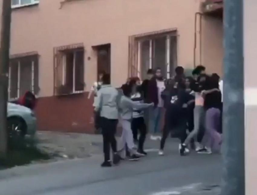 Bursalı kızların erkek kavgası