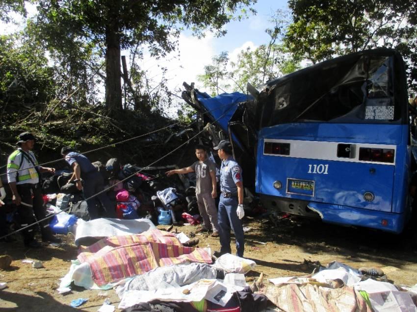 Filipinler'de korkunç kaza: 15 ölü