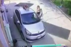 Fırsatçı kadın arabayı böyle çaldı