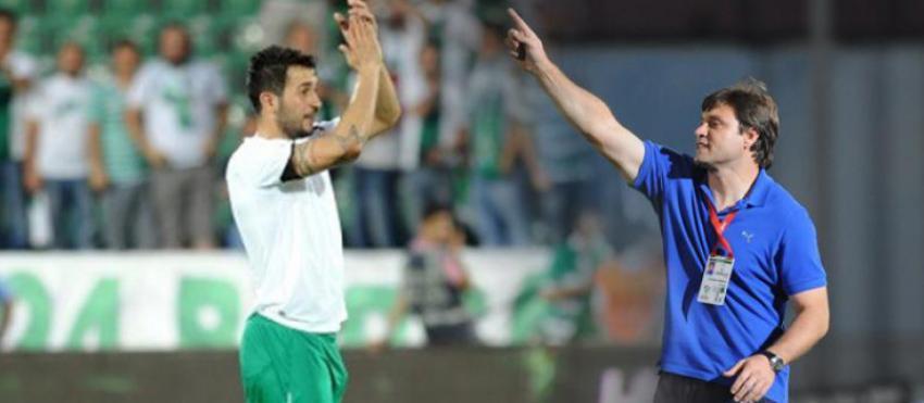 Ozan Bursaspor'da kaldı