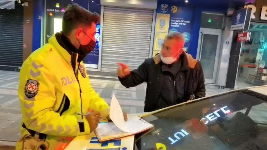 Bursa'da görevini yapan polisleri tehdit etti