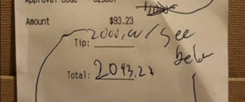 Garsona 2 bin dolar bahşiş