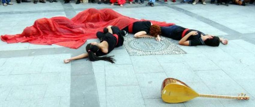 Gaziantep'te Sivas olaylarına tiyatrolu tepki