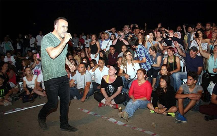 Haluk Levent en karanlık konserini yaptı