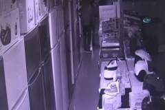 Hırsızlar güvenlik kameralarına takıldı