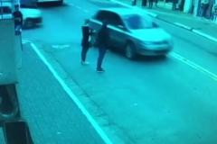 Hırsızlar kaza yapınca yakalandı